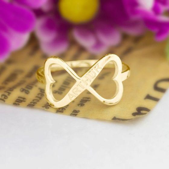 Inel cu infinit gravat cu nume din aur galben alb sau roz de 14K