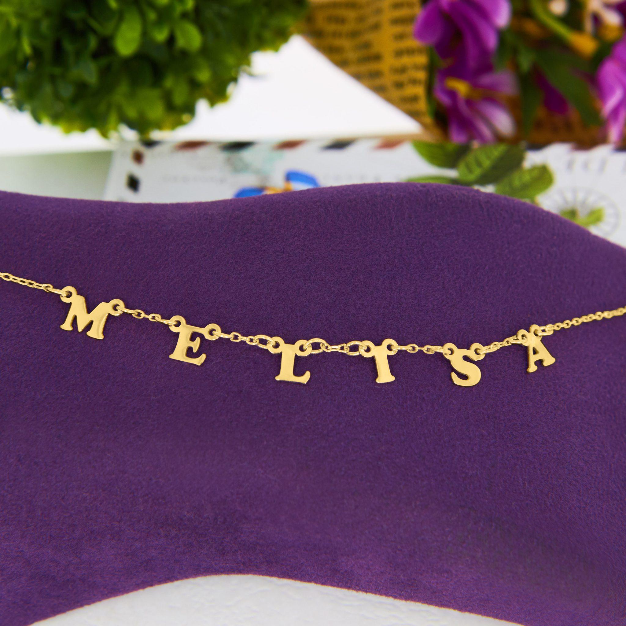Colier personalizat cu litere din aur 14K