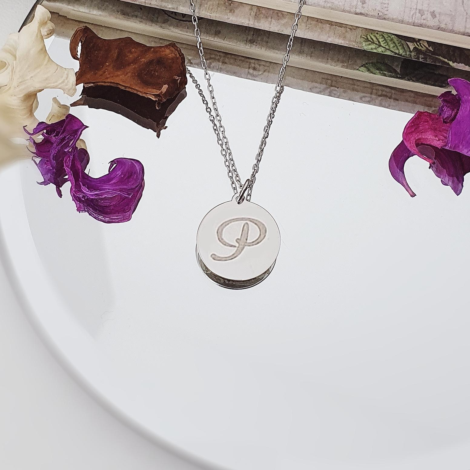 Colier banut personalizat cu initiala – din argint 925