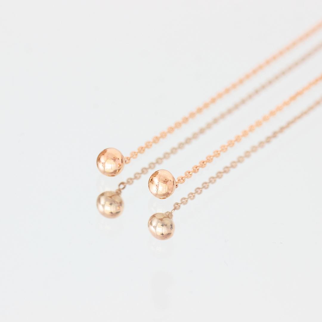 Cercei cu bilute si lant – din aur galben, alb sau roz de 14K