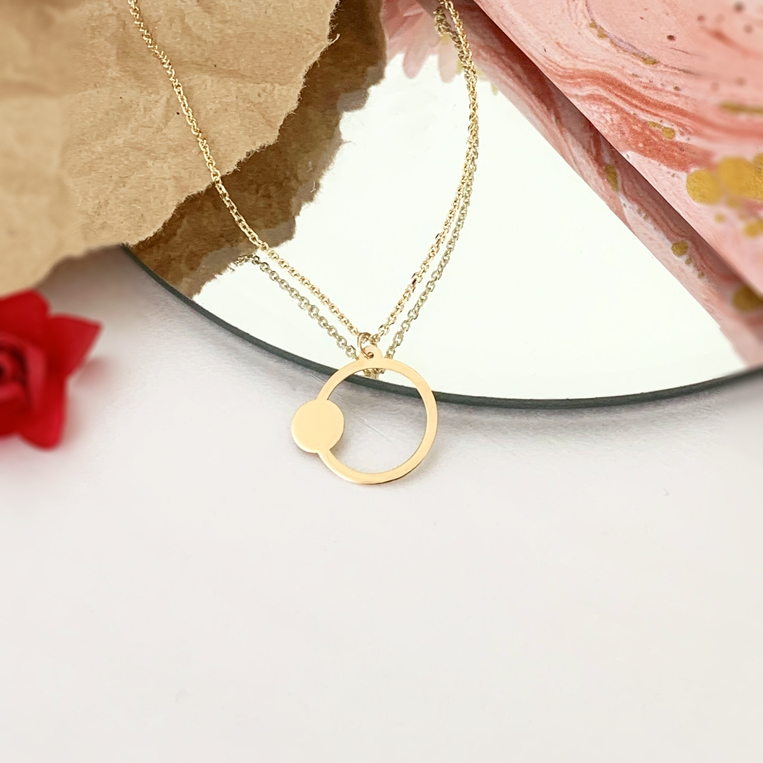Colier modern cu cercuri – din aur galben alb sau roz 14k